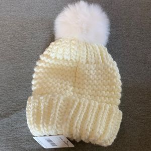 Free People Womans Beanie white ivory nit
